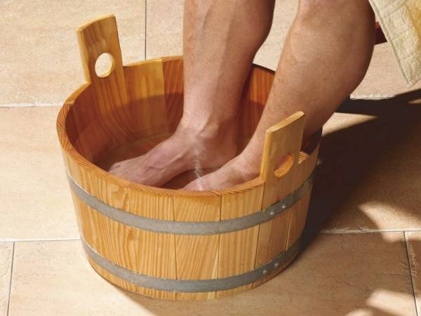 Weka Sauna Fußkübel aus Fichtenholz