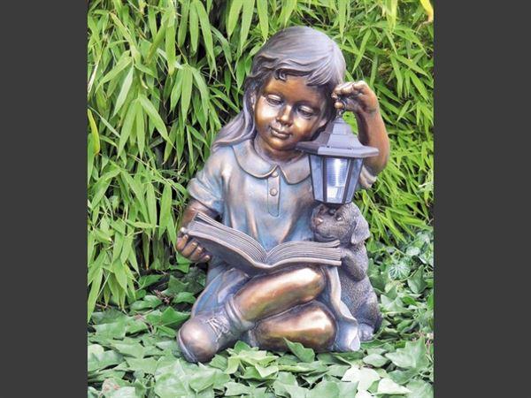 Granimex Laura, lesendes Mädchen mit Hund und Solarlaterne